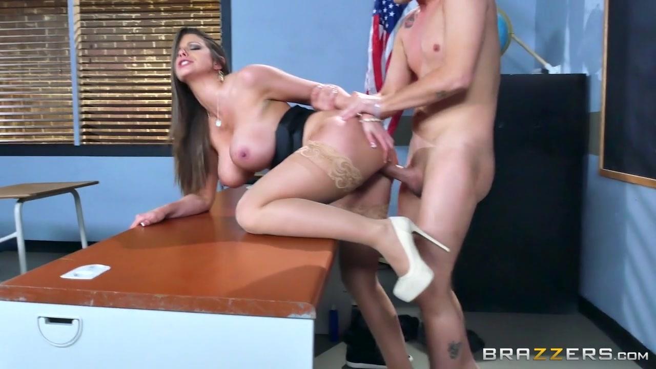 Alumnos Porno maestra sin tanga cojiendo con el alumno (porno)